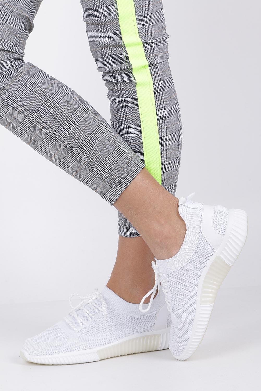 Białe buty sportowe sznurowane Casu HR61297