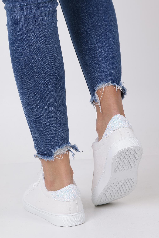 Białe buty sportowe z brokatem sznurowane Casu TL82-3 wysokosc_platformy 1.5 cm