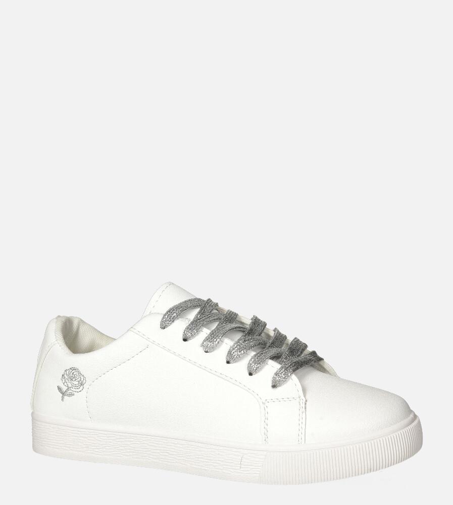 Białe buty sportowe z ozdobną sznurówką Casu 20H8/S biały