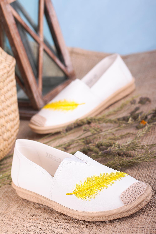 Białe espadryle Casu slip on z piórkiem XX88-01 kolor biały