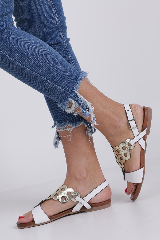 Białe lekkie sandały płaskie ażurowe błyszczące Casu K19X14/W style Ażurowy
