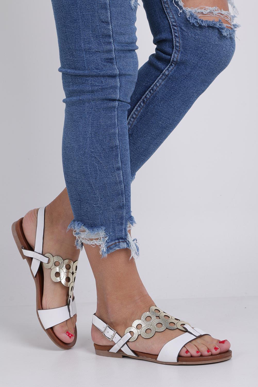Białe lekkie sandały płaskie ażurowe błyszczące Casu K19X14/W kolor biały