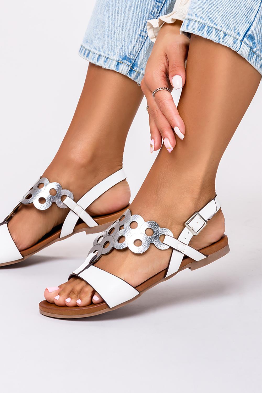 Białe lekkie sandały płaskie ażurowe błyszczące Casu K19X14/WS producent Casu