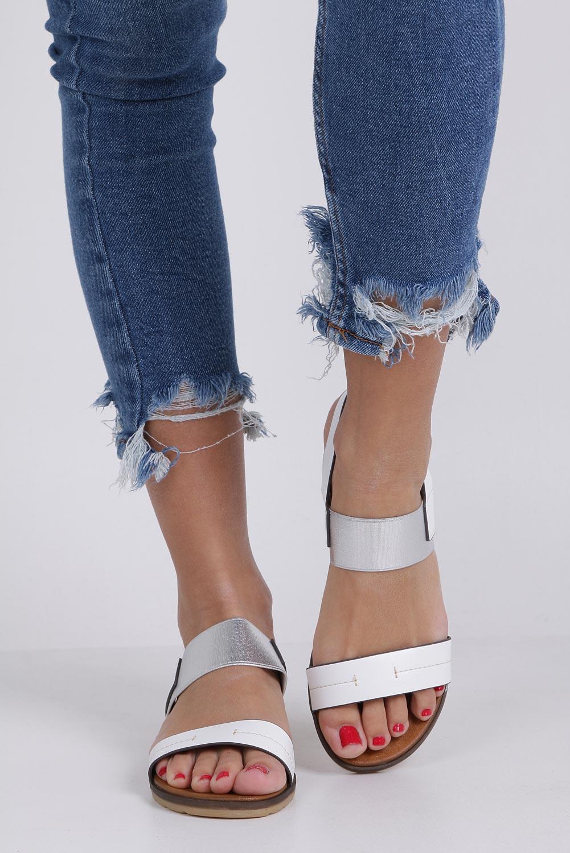 Białe lekkie sandały płaskie z błyszczącą gumką Casu K19X7/W wysokosc_obcasa 2.5 cm