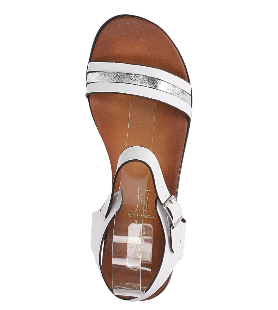 Białe lekkie sandały płaskie z błyszczącym paskiem Casu K19X13/W wierzch skóra ekologiczna