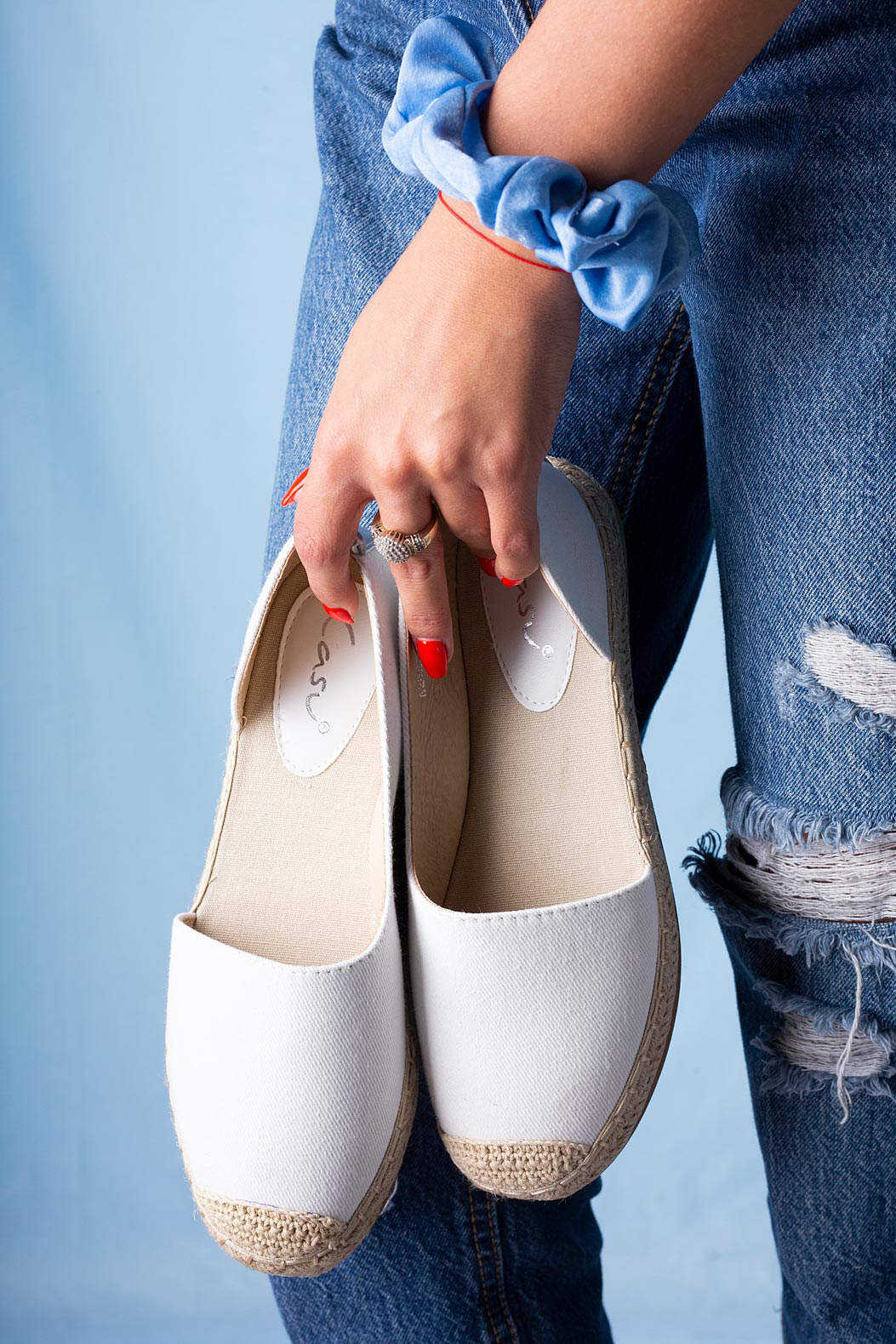 Białe półbuty espadryle jeansowe z wycięciem Casu A20X6/W model A20X6/W