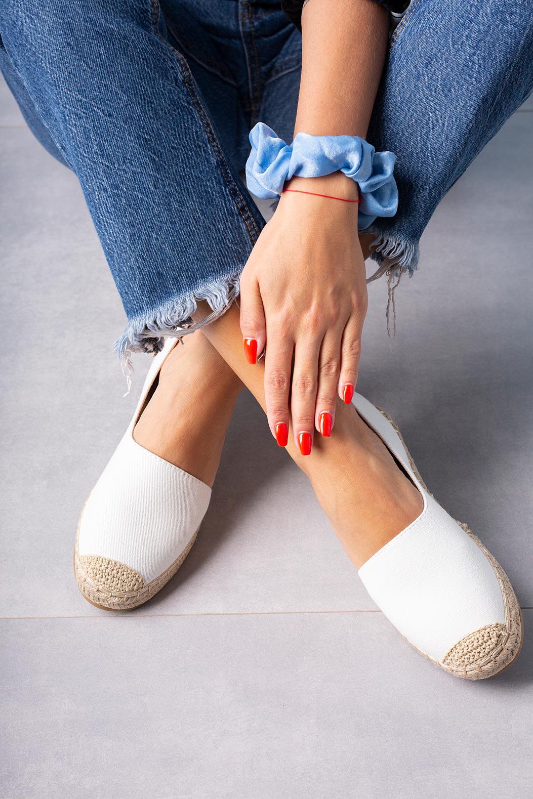 Białe półbuty espadryle jeansowe z wycięciem Casu A20X6/W sezon Wczesna wiosna