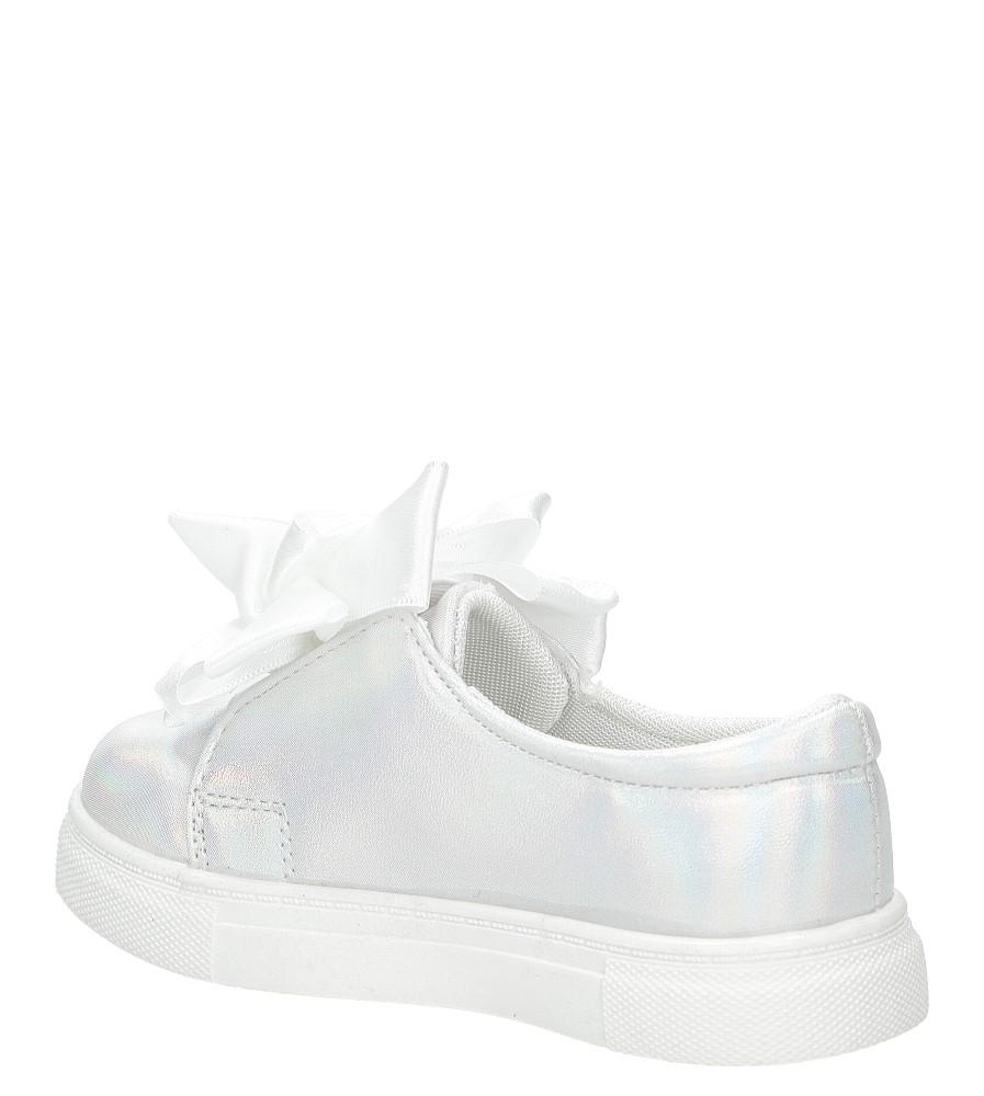 Białe półbuty slip on z kokardą i perełkami błyszczące Casu 8928B kolor biały