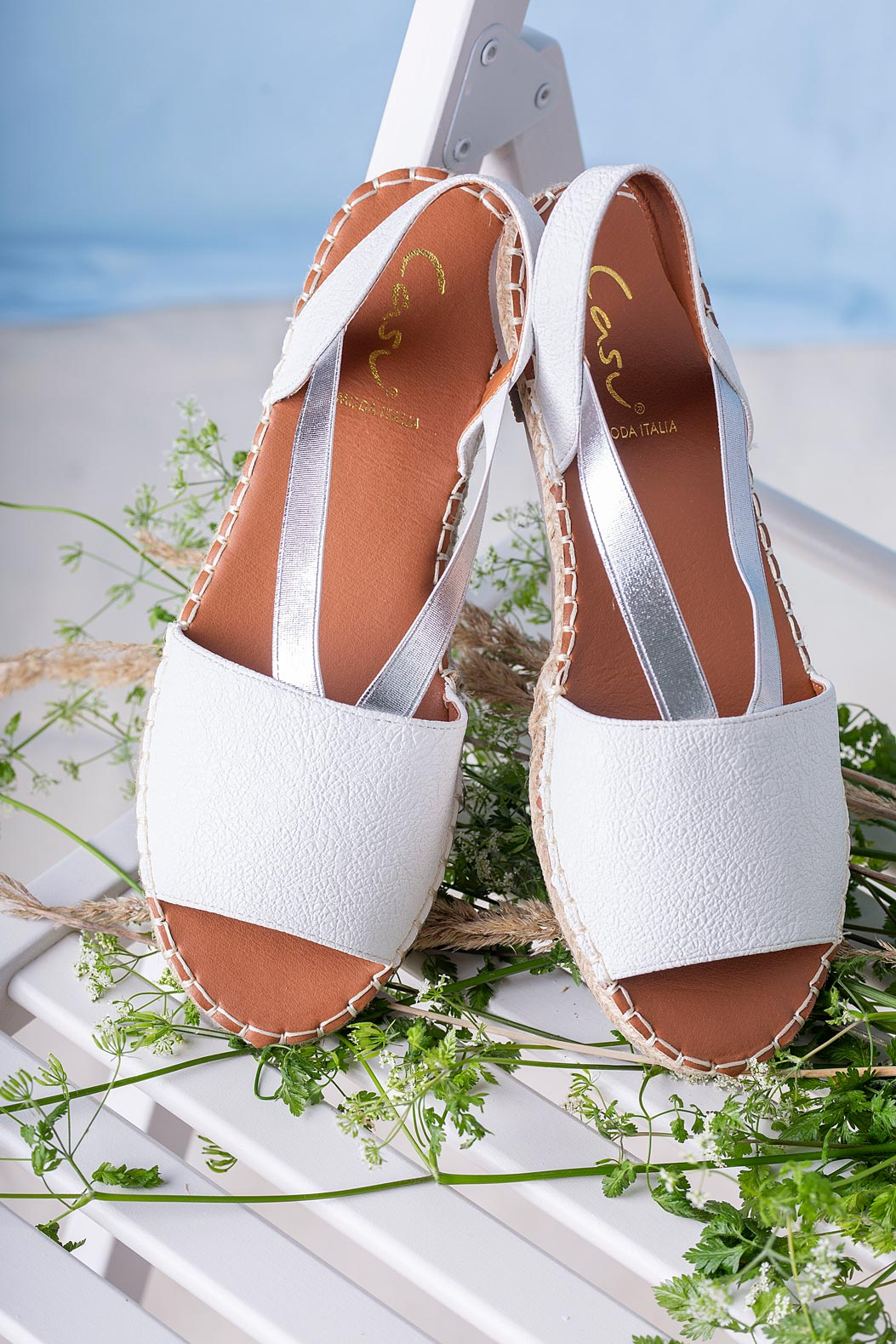 Białe sandały espadryle płaskie z gumką Casu SN20X5/W biały