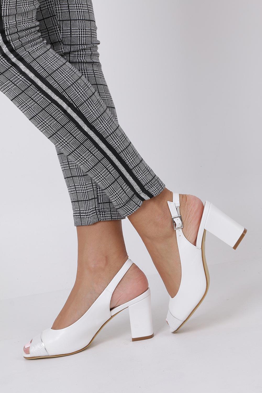 Białe sandały na słupku Sergio Leone SK762