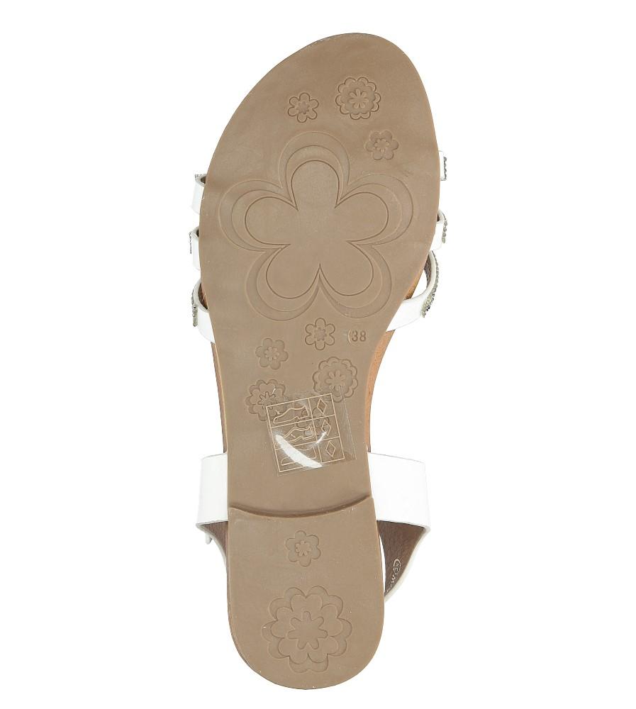 Białe sandały płaskie zdobione kryształkami Casu K18X5/W nosek_buta otwarty