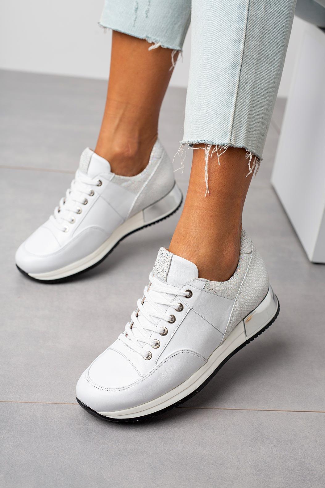 Białe sneakersy Kati buty sportowe sznurowane 7026 biały