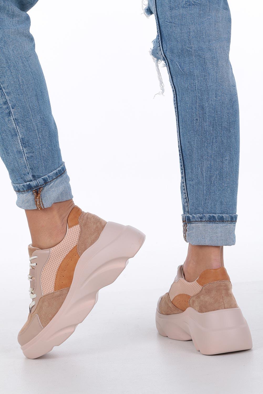 Camelowe buty sportowe sneakersy sznurowane Casu camel