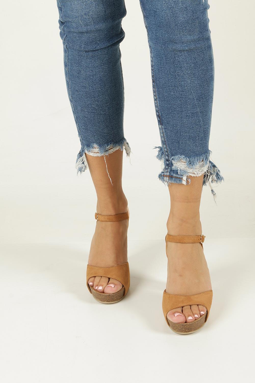 Camelowe sandały skórzane na słupku Nessi 18340 wierzch skóra naturalna - welur