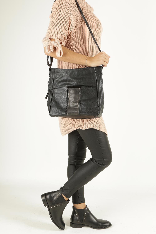 Czarna torebka listonoszka z nitami Casu 2132