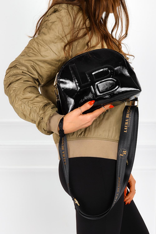 Czarna torebka mała lakierowana Laura Biaggi JS208
