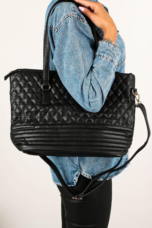 Czarna torebka pikowana Casu AC-8