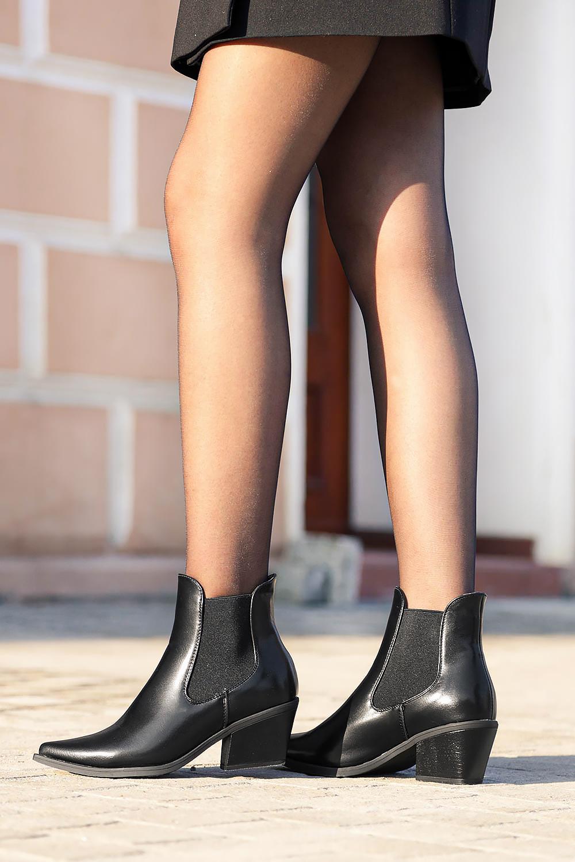 Czarne botki kowbojki na szerokim słupku z gumkami po bokach Casu G20X14/B czarny