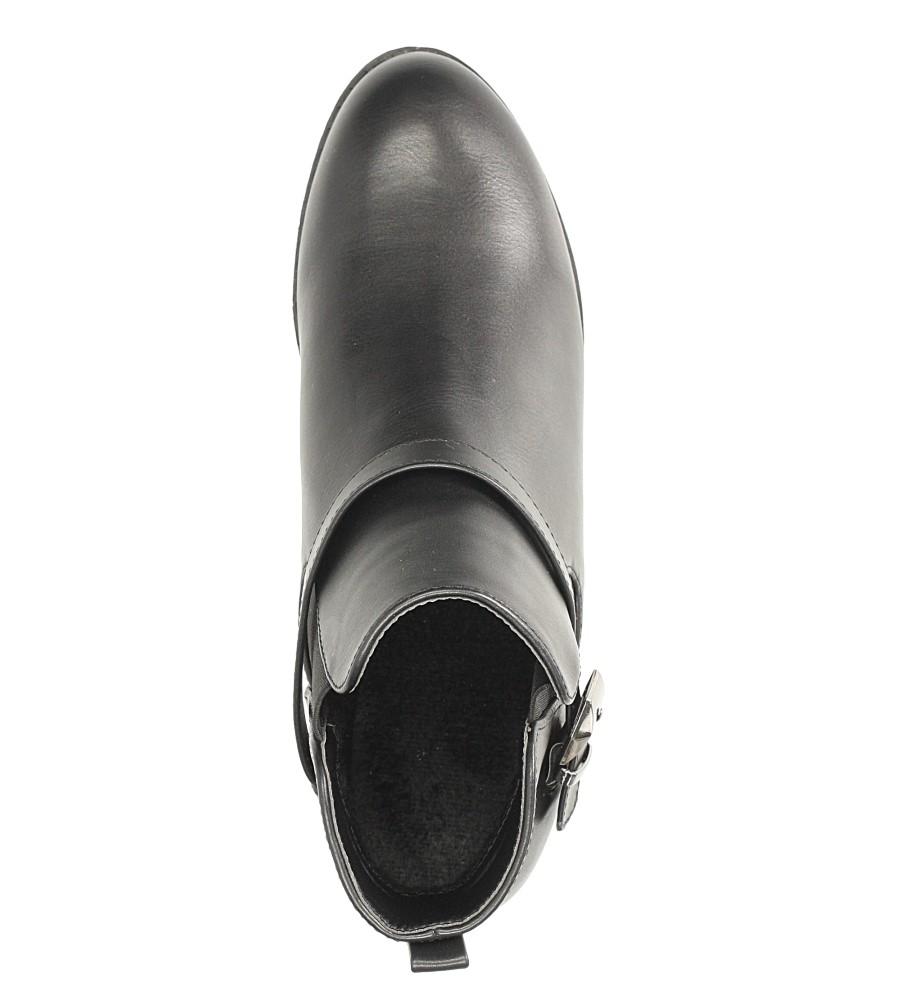 Czarne botki na niskim obcasie z klamrą Casu D18X15/B wkladka futerko