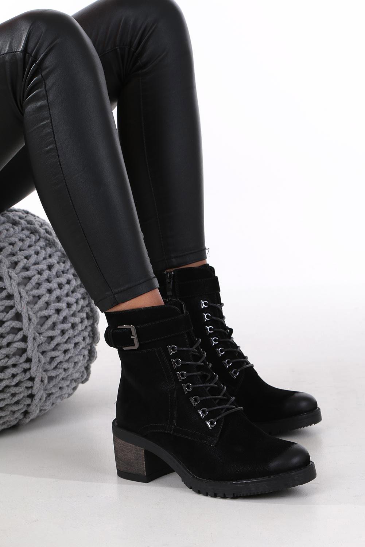 Czarne botki sznurowane na słupku z ozdobną klamerką Sergio Leone BT705 producent Sergio Leone