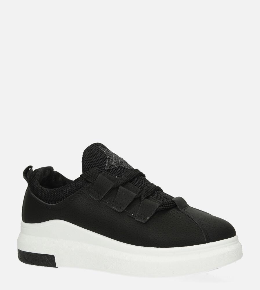Czarne buty sportowe creepersy z ozdobnym wiązaniem Casu 319