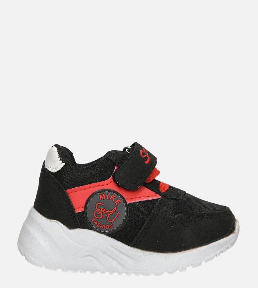 Czarne buty sportowe na rzep Casu 20T4/M