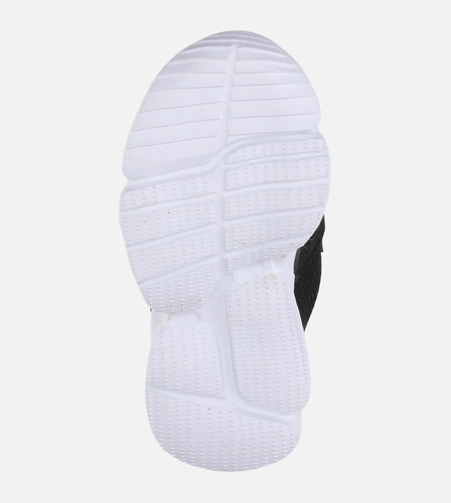 czarne buty sportowe na rzepy casu 002