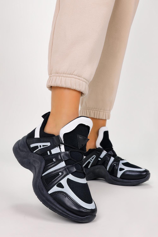 Czarne buty sportowe sneakersy na koturnie sznurowane Casu YM-32 czarny