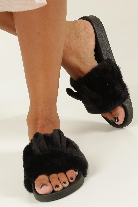 Czarne klapki z futerkiem Casu 232-1 kolor czarny