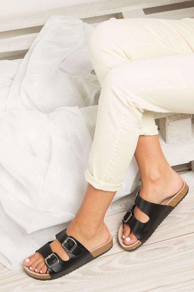 Czarne klapki zdrowotne z dwoma paskami z komfortową skórzaną wkładką i profilowaną korkową podeszwą Casu B18X2/B wkladka skóra
