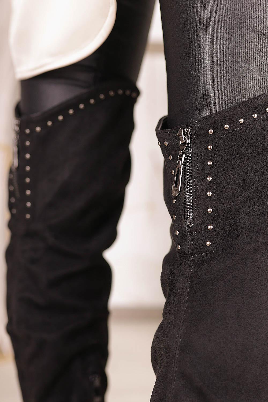 Czarne kozaki muszkieterki za kolano z nitami i ozdobnym suwakiem Casu G19X3/B