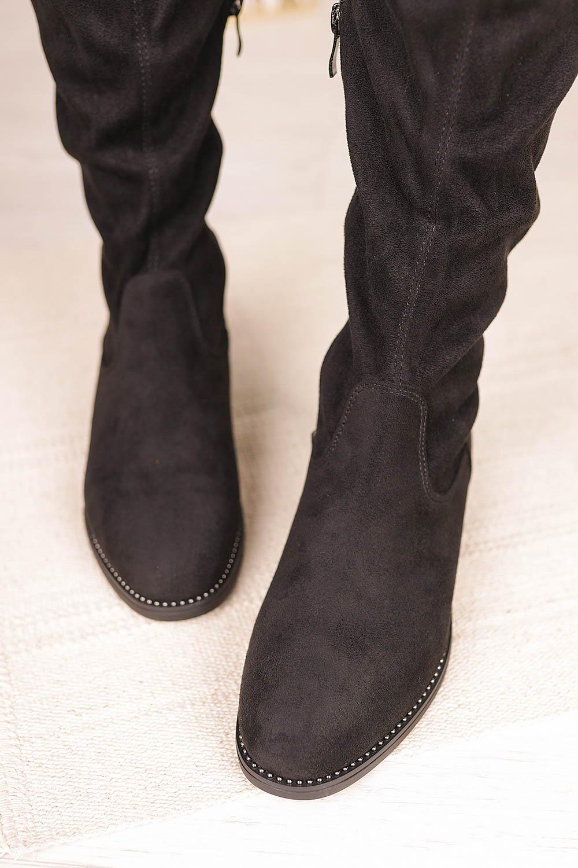 Czarne kozaki muszkieterki za kolano z nitami i ozdobnym suwakiem Casu G19X3/B kolor czarny