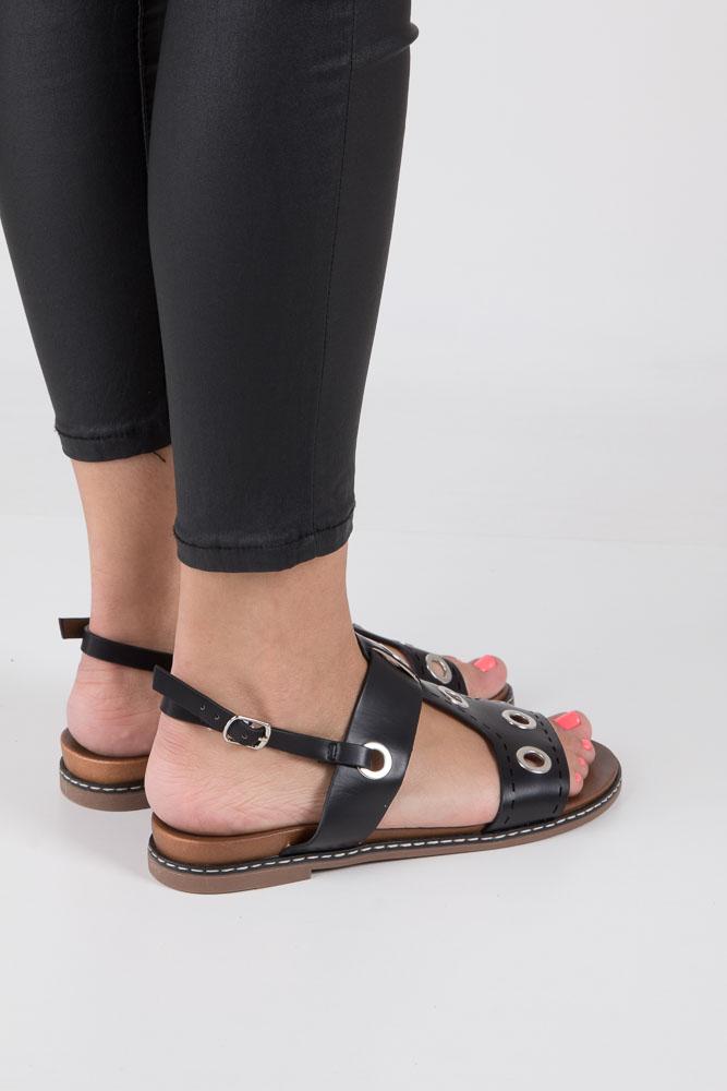 Czarne modne sandały z ozdobnymi metalowymi kółkami Casu K18X2/B wierzch skóra ekologiczna