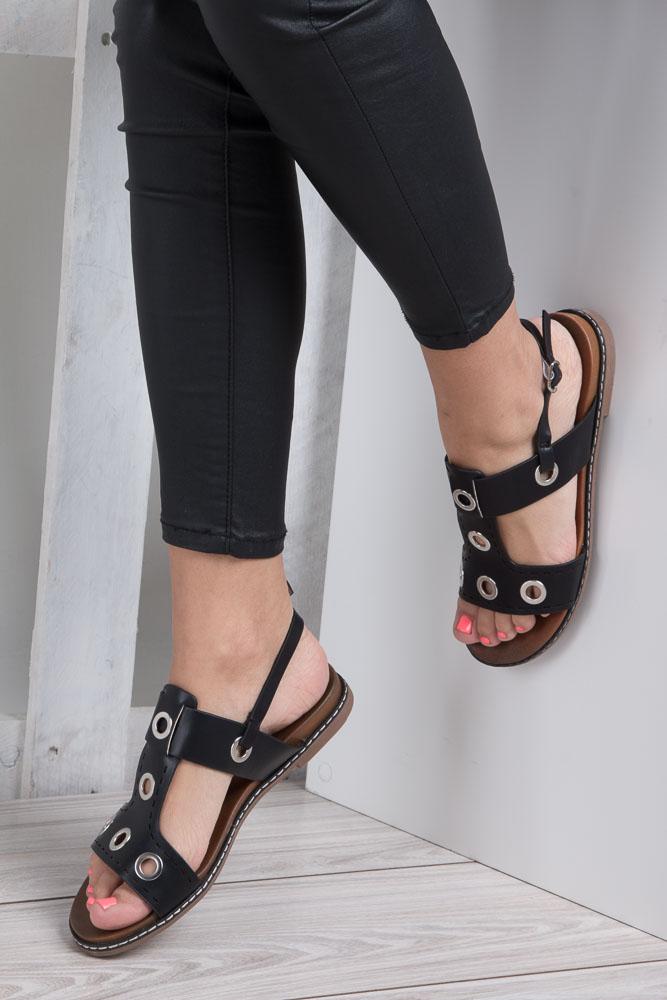 Czarne modne sandały z ozdobnymi metalowymi kółkami Casu K18X2/B wnetrze skóra ekologiczna
