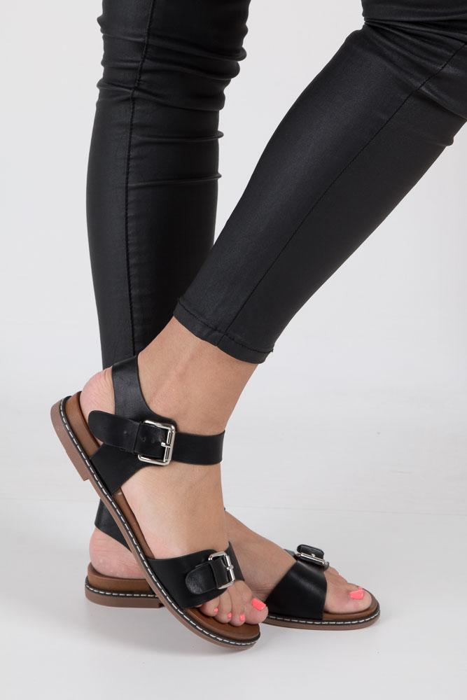 Czarne modne sandały ze srebrnymi klamrami Casu K18X12/B wierzch skóra ekologiczna