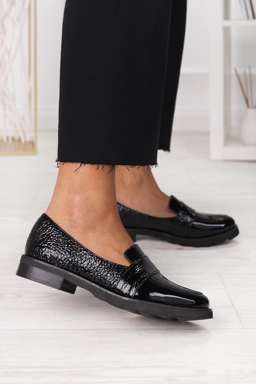 Czarne półbuty mokasyny lakierowane polska skóra Pro-moda 2589/035 czarny