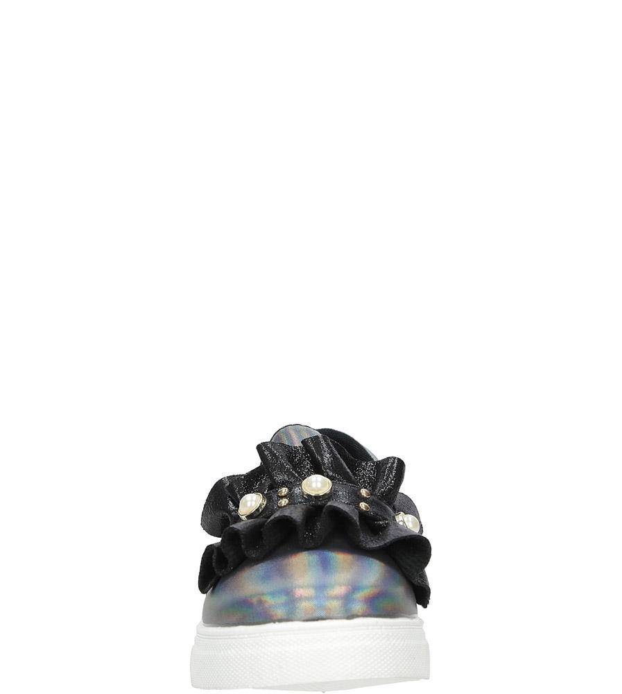 Czarne półbuty slip on z falbanką i perełkami błyszczące Casu 1822C sezon Całoroczny