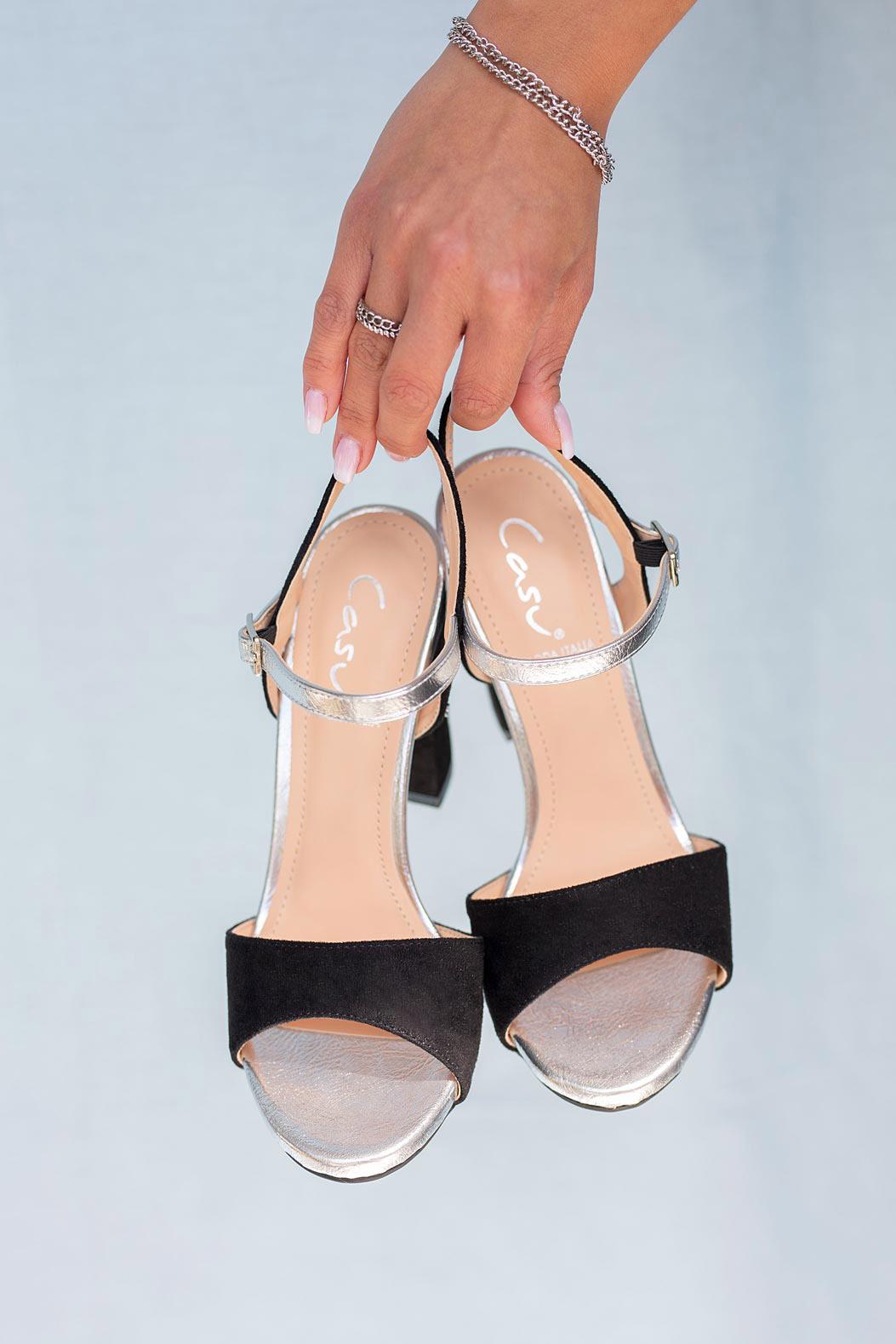 Czarne sandały Casu na szerokim słupku ER20X1/B model ER20X1/B