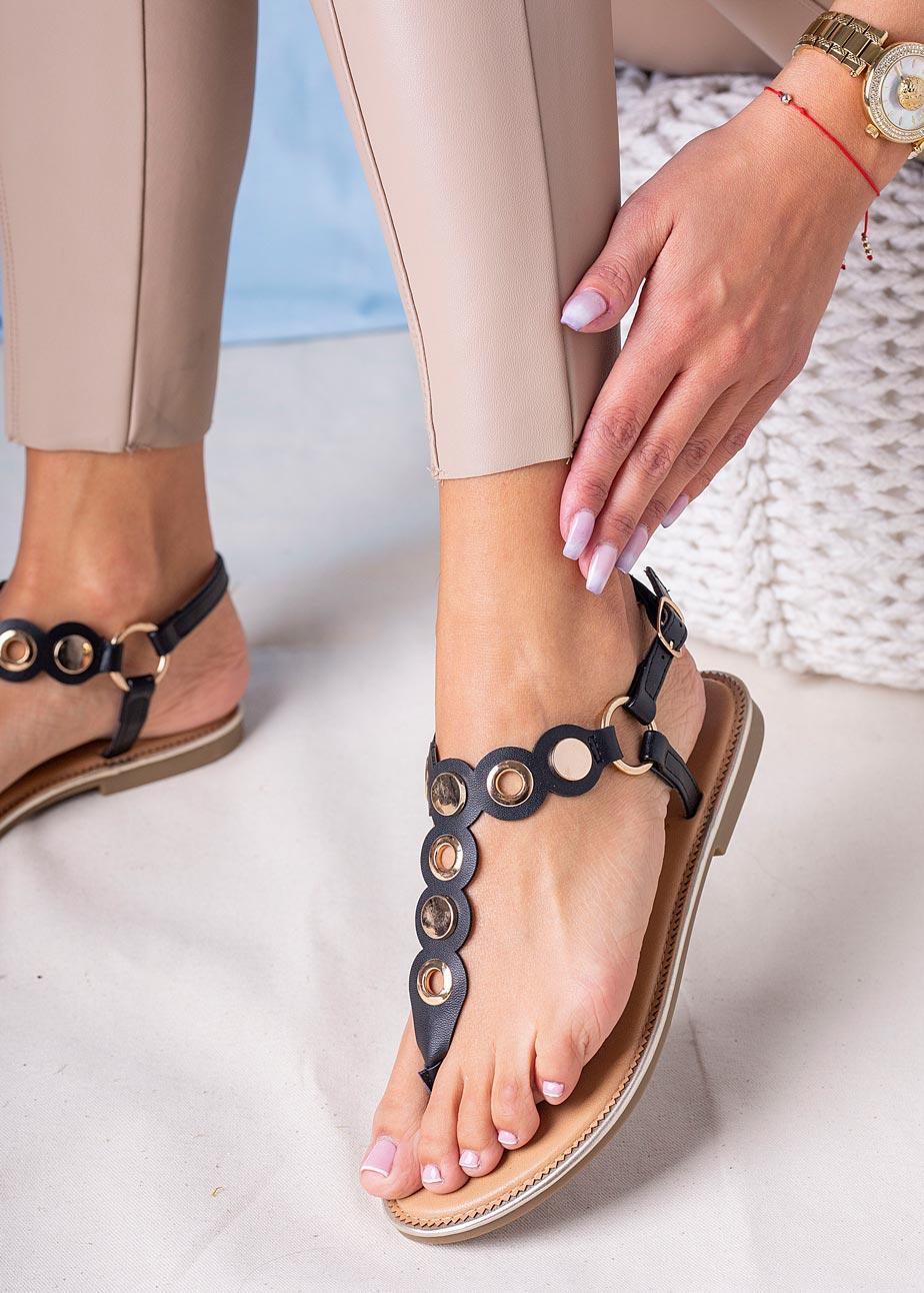 Czarne sandały japonki płaskie z metalową ozdobą Casu SN20X4/B czarny