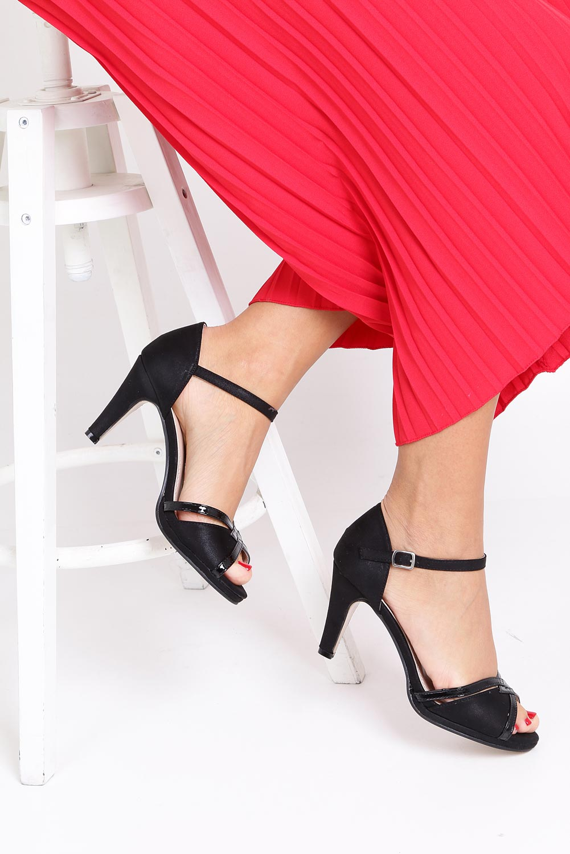 Czarne sandały karnawałowe z zakrytą piętą Casu 7-W308A wysokosc_obcasa 8.5 cm