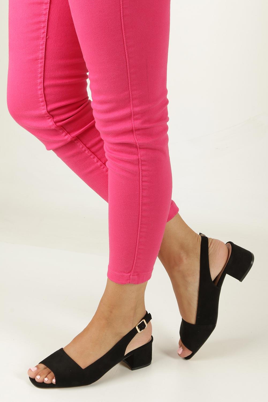 Czarne sandały na niskim obcasie Jezzi 8SD35-0385