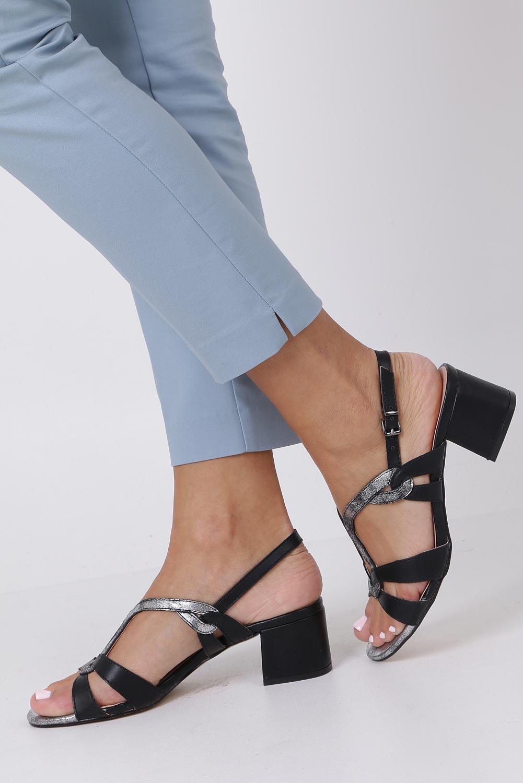 Czarne sandały na słupku z odkrytymi palcami skórzana wkładka Casu R19X1/B