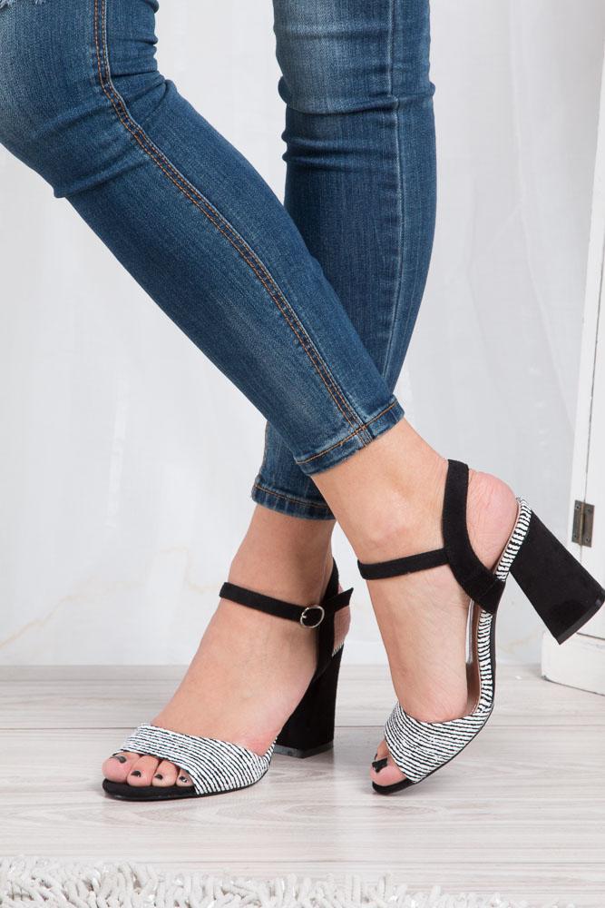 Czarne sandały na szerokim obcasie zebra Sergio Leone  SK820-01X wierzch skóra ekologiczna