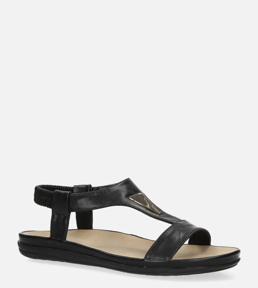 Czarne sandały płaskie z gumką i metalową ozdobą Casu N19X6/B wysokosc_platformy 2 cm