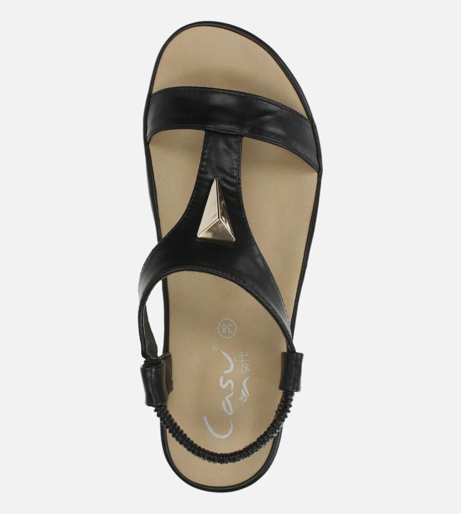 Czarne sandały płaskie z gumką i metalową ozdobą Casu N19X6/B wnetrze skóra ekologiczna