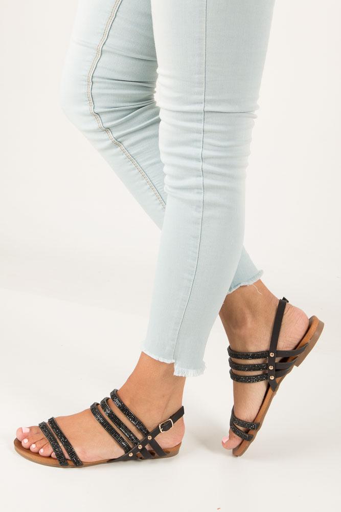 Czarne sandały płaskie z mieniącymi się kryształkami Casu K18X8/B
