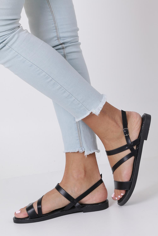 Czarne sandały płaskie z nitami Casu SN19X3/B style Dżety/Nity/Ćwieki