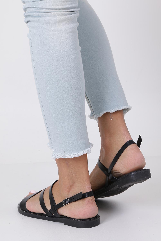 Czarne sandały płaskie z nitami Casu SN19X3/B kolor czarny