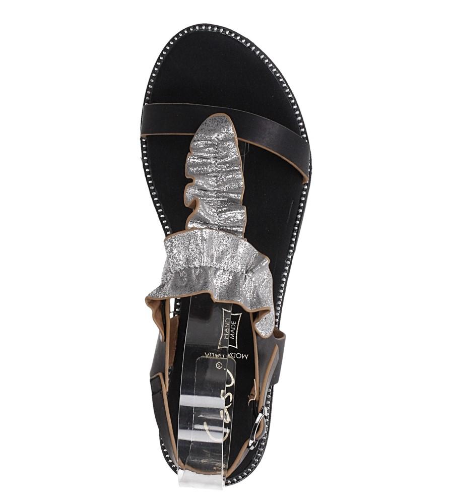 Czarne sandały płaskie z nitami i ozdobną falbanką Casu K19X6/B wys_calkowita_buta 11.5 cm