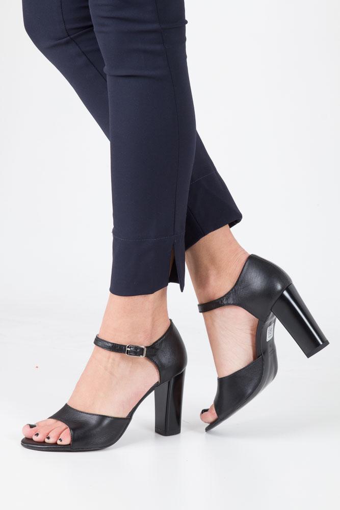 Czarne sandały skórzane na słupku Oleksy 2295/320/000/000/000 model 2295/320/000/000/000